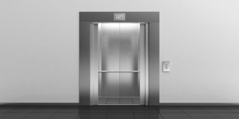 Residents of first floors of buildings do not want elevators